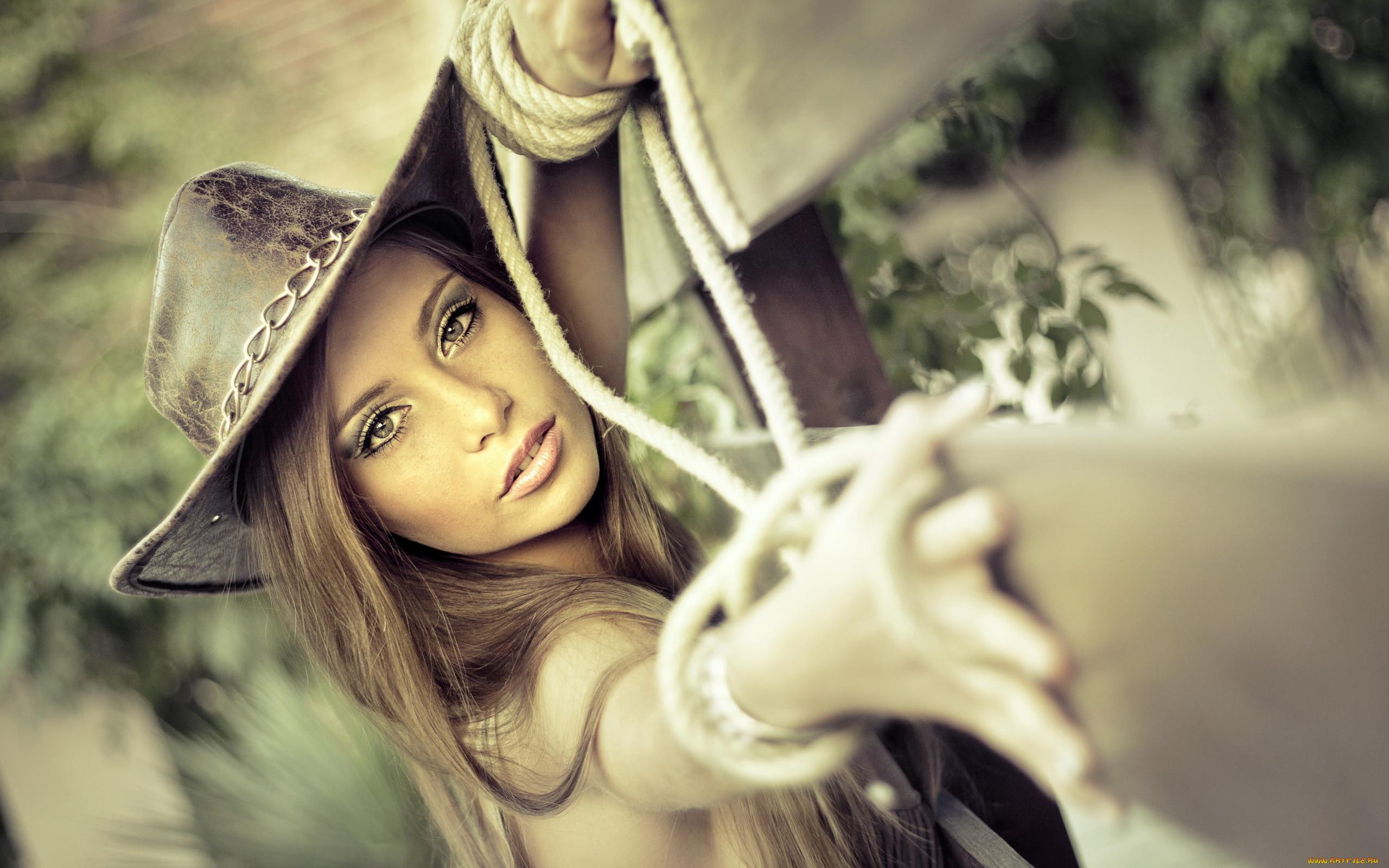 Фото девушек в ковбойской шляпе 16 фотография